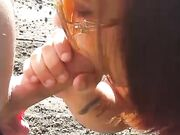 Fast outdoor oral stimulation from married woman